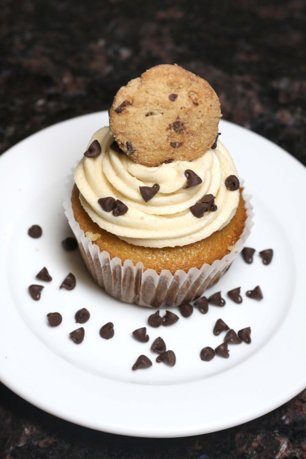 chocolate chip cookie dough filled cupcakes