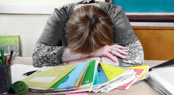 Казахстанские учителя назвали причины ухода из школ