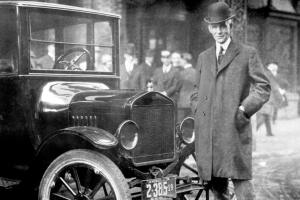 henry-ford-with-ford-model-t-photo-338228-s-1280x782