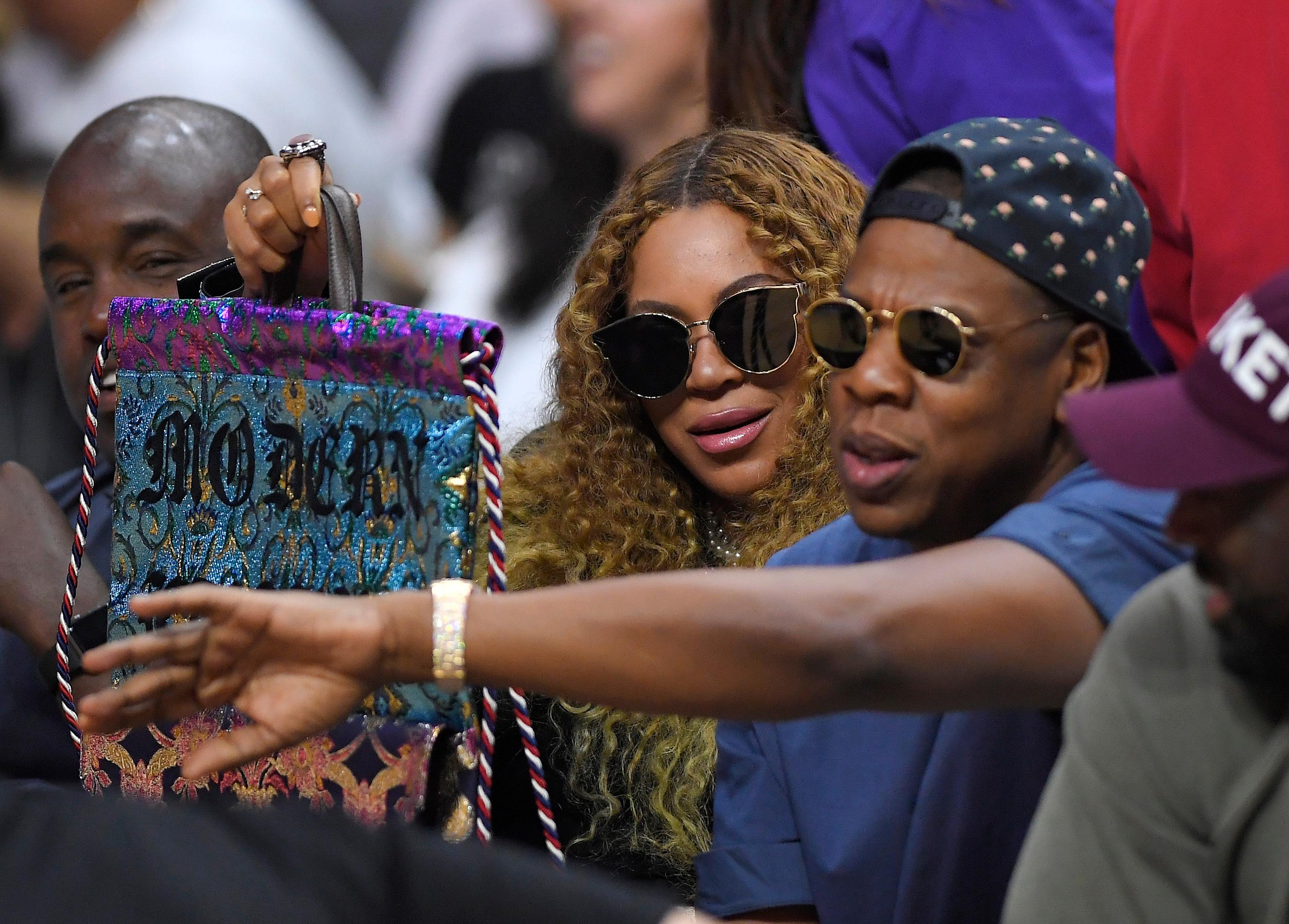 beyonce and jay z welcome twins people com 2