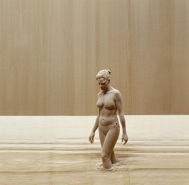 life-like-realistic-wooden-sculptures-peter-demetz-4