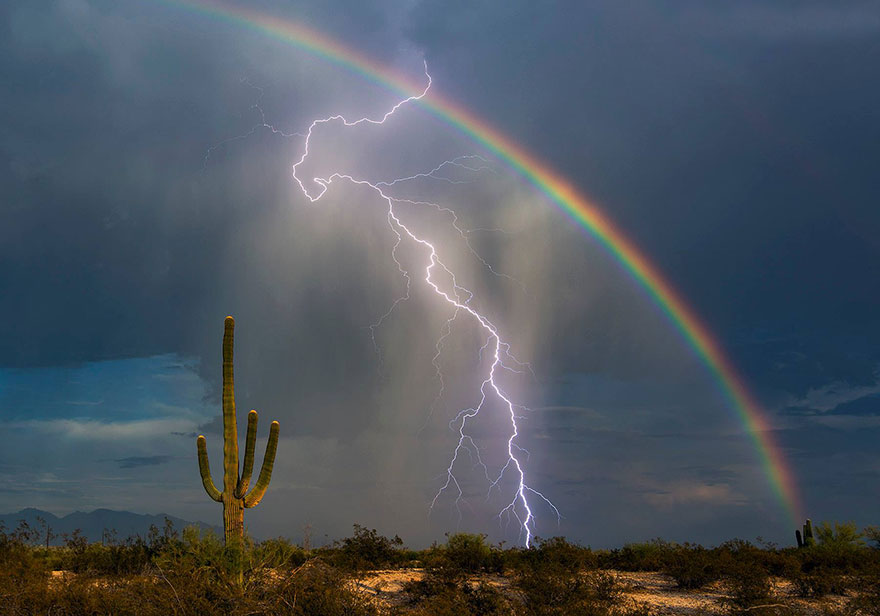 Lightning And Rainbow Captured Together In Once In A Lifetime Shot     rainbow lightning together one photo greg mccown 1