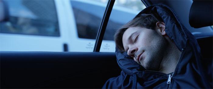 Capuz inflável para você tirar aquela soneca marota em qualquer lugar