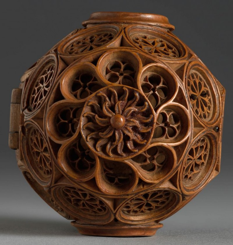 miniature-boxwood-carvings-16th-century-8