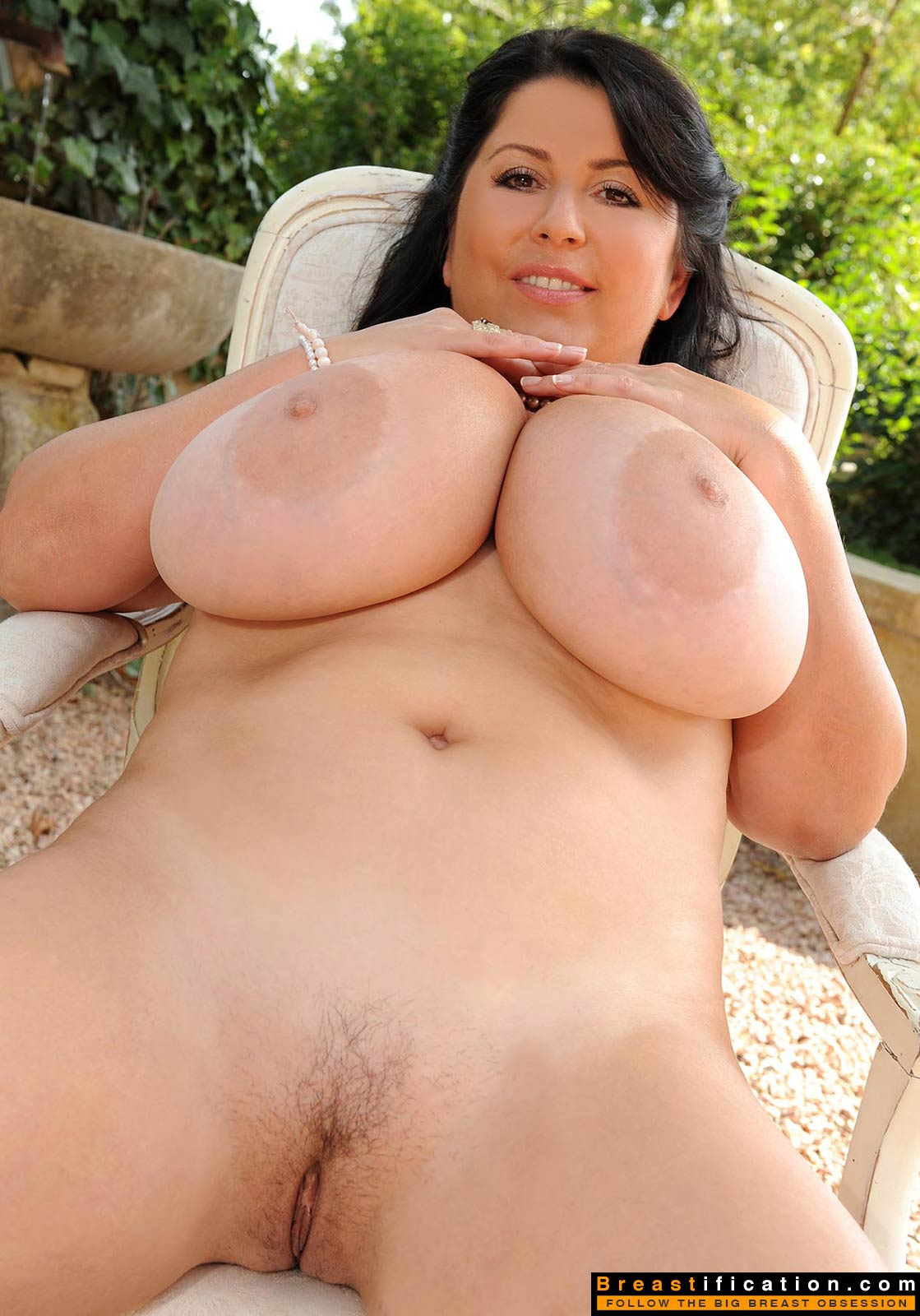 Priya rai shows her big boobs and squirts for a show 5