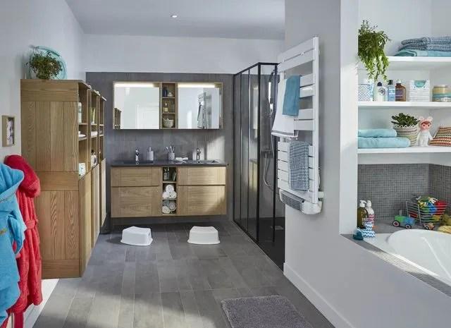 affordable salle de bain familiale bien luamnager pour parents et baguette de finition with finition mur salle de bain - Finition Mur Salle De Bain