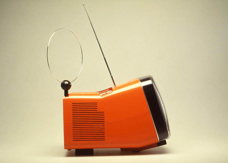 dezeen_Richard Sapper_Algol portable TV set