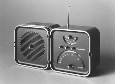 dezeen_Richard Sapper_TS 502 radio