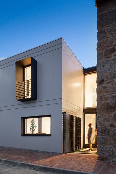 House JA by Filipe Pina + Ines Costa