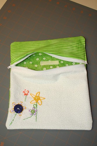 Mini flower pouch