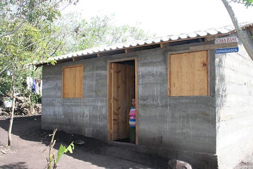 Esperanca House, after, water project