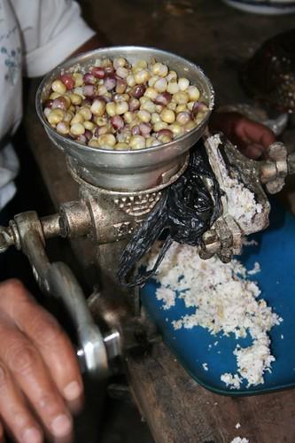 Grinding corn, Datanli Diablo Reserve