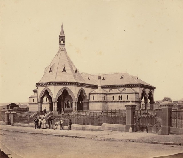 The Mortuary Station in its heyday, 1871 (c) State Library of NSW