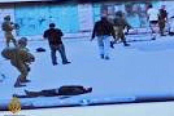 Aksi tentara Israel yang menembak ke kepala seorang Palestina yang direkam Emad Abu Shamsiyeh
