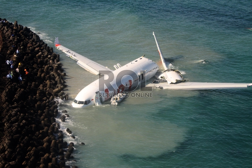 Ilustrasi Pesawat Jatuh