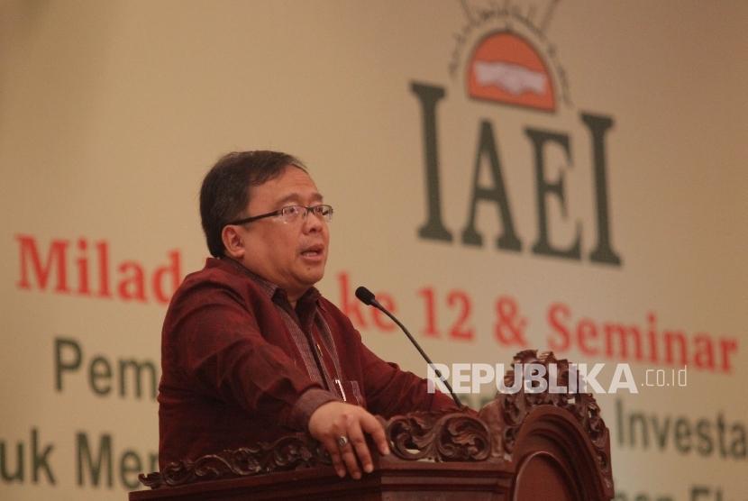Ketua Umum Ikatan Ahli Ekonomi Islam (IAEI), Bambang Brodjonegoro saat menghadiri Milad ke-12 IAEI di Jakarta, beberapa waktu lalu. (Republika/Rakhmawaty La'lang)