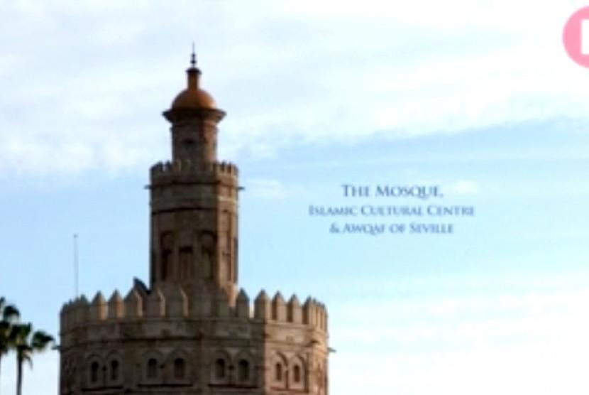 Menara masjid di Sevilla, Spanyol