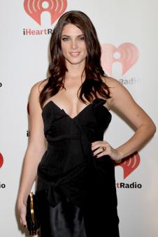 Ashley Greene Red Carpet Pose