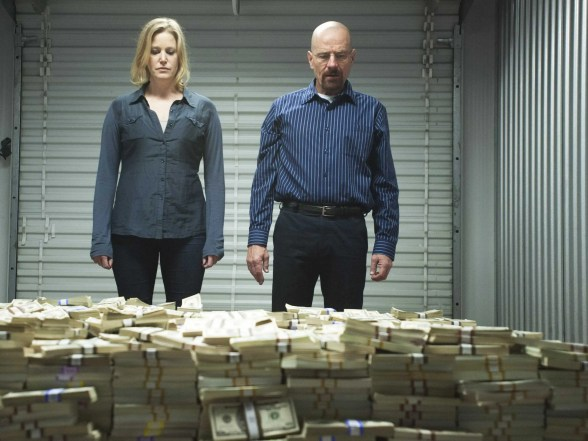 http://i1.wp.com/static1.businessinsider.com/image/52123f0eeab8ea697200000f/heres-how-much-the-giant-pile-of-money-on-breaking-bad-is-worth.jpg?resize=588%2C441