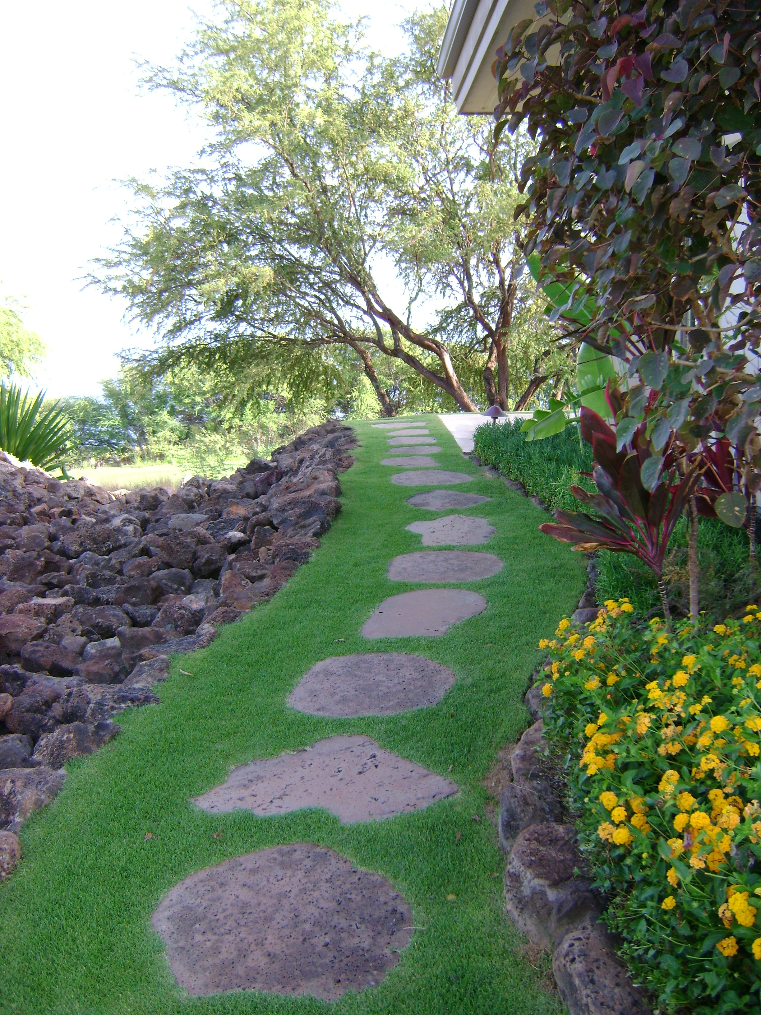 Special Free Form Stepping Stone Path Hardscapes Pua Lani Landscape Design Concrete Stepping Stones Near Me Concrete Stepping Stones Diy houzz-02 Concrete Stepping Stones