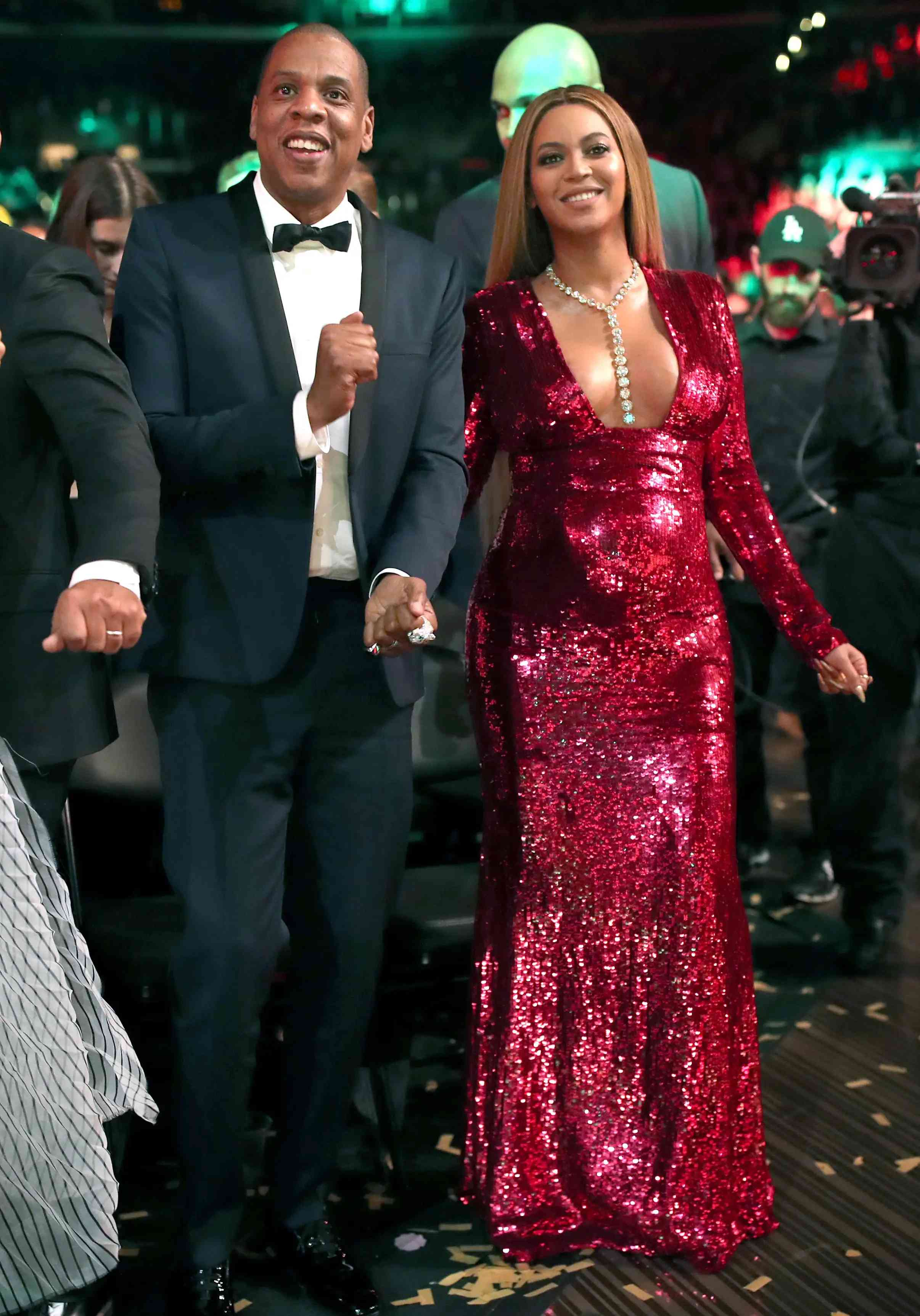 beyonc 233 gives birth to twins with jay z e news 4