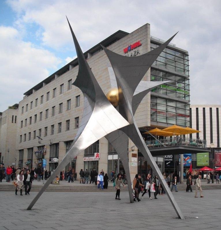 Skulptur auf der Prager Straße, Dresden