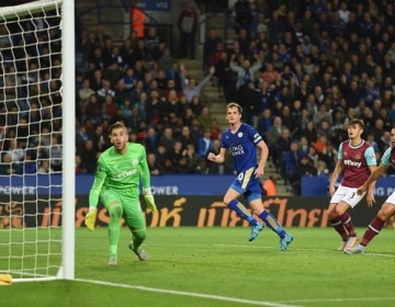 LEICESTER, ENGLAND - SEPTEMBER 22: Andy King of Leicester scores to make it 2-1 during the Capital One Cup Third Round match between Leicester City and West Ham United at The King Power Stadium on September 22, 2015 in Leicester, England.  (Photo by Michael Regan/Getty Images)