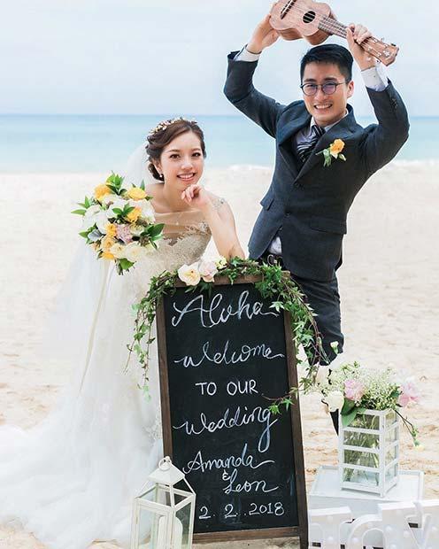 Beach Wedding Sign Idea