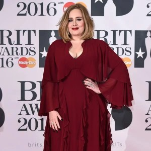 adele-red-carpet-brit-awards-2016