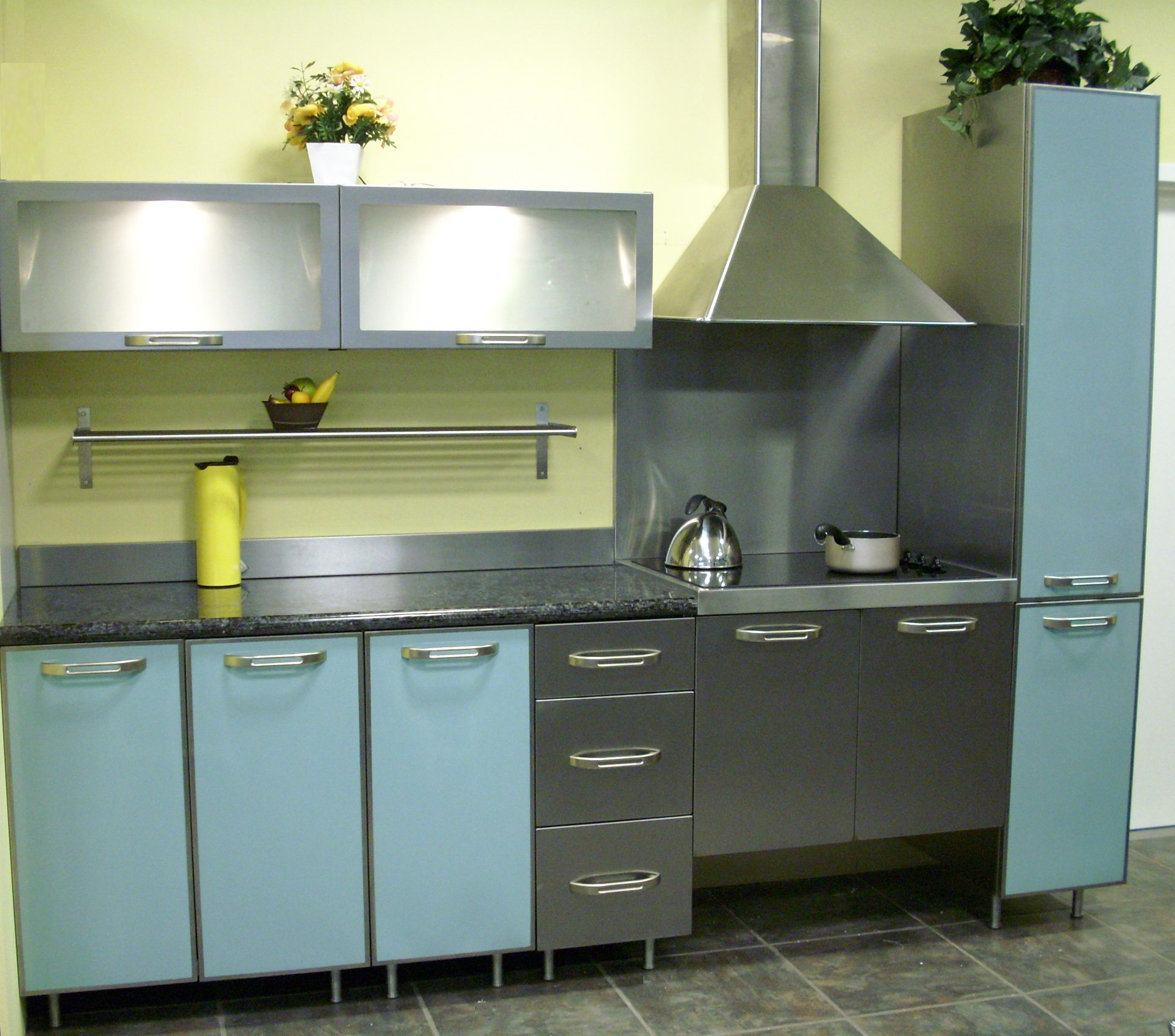 Howling Sink Stainless Steel Cabinets Stainless Steel Vintage Kitchen Stainless Steel Kitchen Cabinets Steelkitchen Stainless Steel Cabinets Bbq houzz 01 Stainless Steel Cabinets