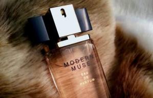 Parfumul Modern Muse Estée Lauder bine de purtat din septembrie-pareri cele mai bune preturi