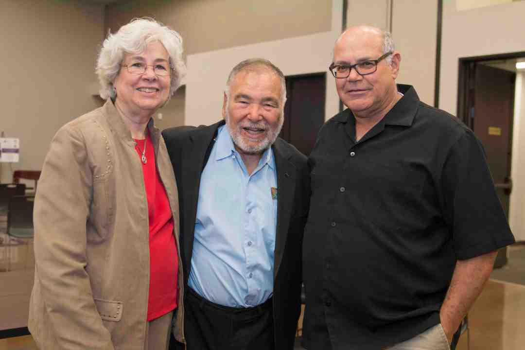 x Raul Yzaguirre Book signing Photo by Phil Soto 15