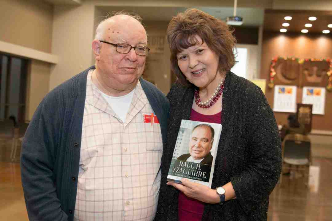 x Raul Yzaguirre Book signing Photo by Phil Soto 169