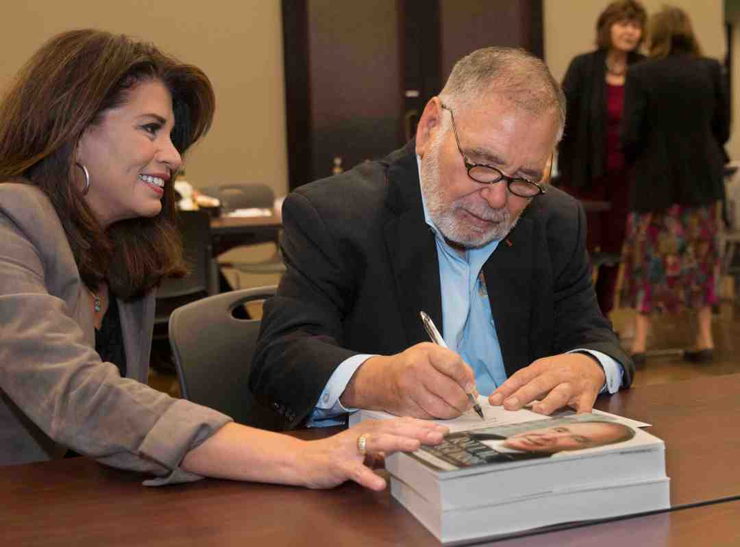 x Raul Yzaguirre Book signing Photo by Phil Soto 41