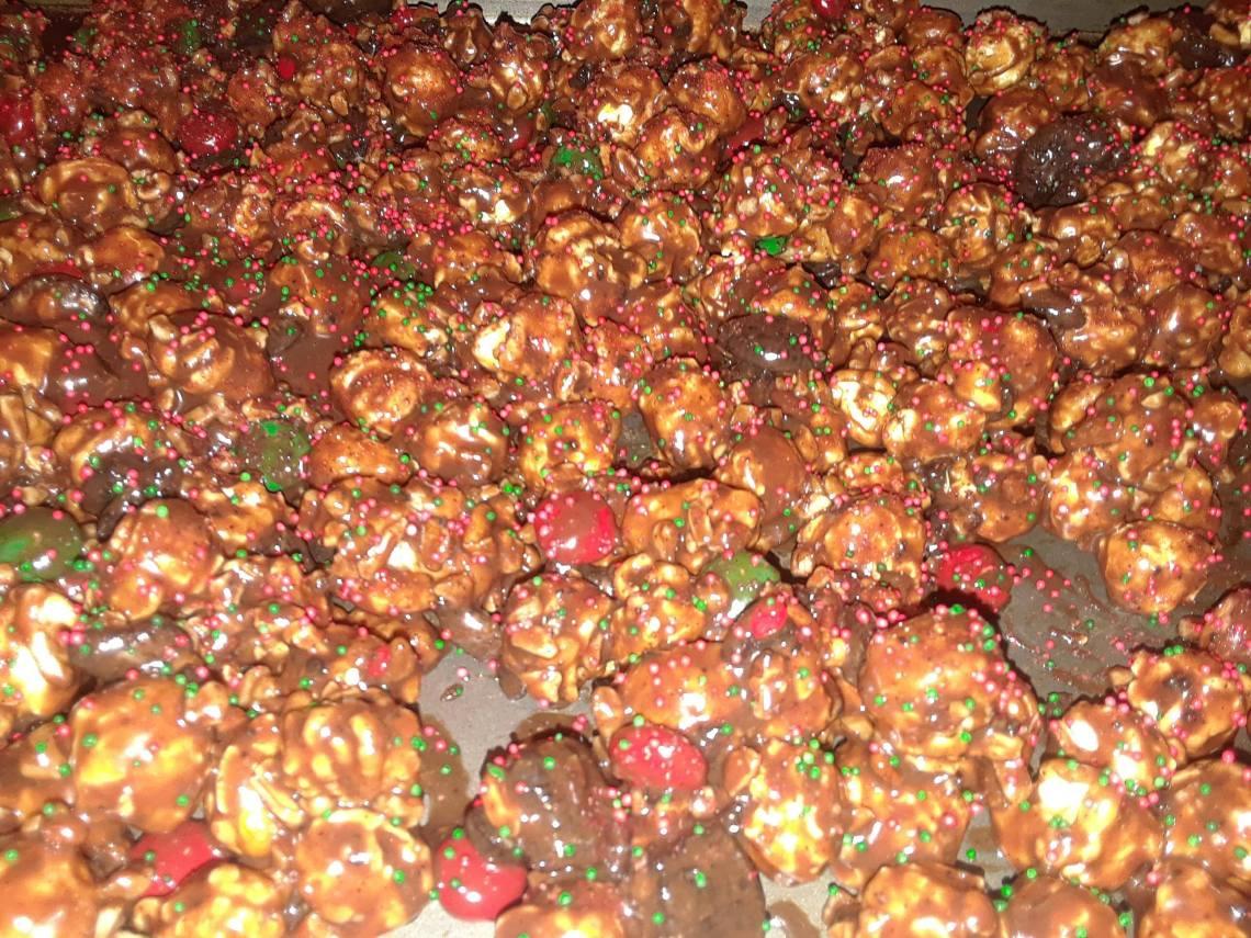 Chocolate Holiday Popcorn Featuring G.H. Cretors.
