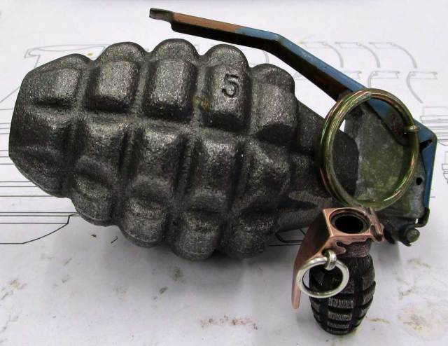 WWII_US_Grenade_Bead_23