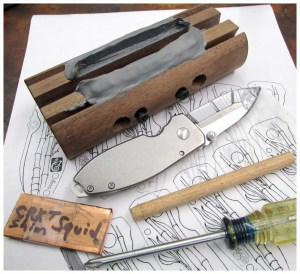 CRKT_Burnley_Squid_Bamboo_Knife_Tutorial_1