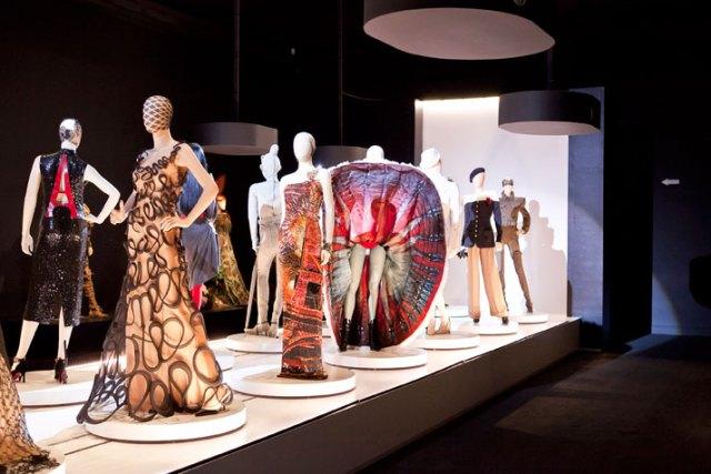 The-Fashion-World-of-Jean-Paul-Gaultier-From-the-Sidewalk-to-the-Catwalk-Kunsthal-Museum-in-Rotterdam-yatzer-Jean-Paul-Gaultier-foto-Rainer-Torrado