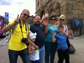 довольные туристы на экскурсии по Стокгольму