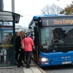 синий автобус №1 из порта до Старого города в Стокгольме
