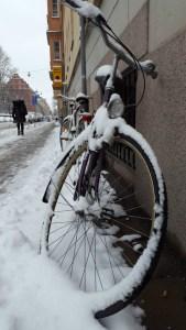снежный велосипед в Стокгольме