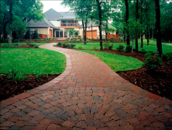 Outdoor-Living-Belgard-Pavers-Dublin-Cobble-2