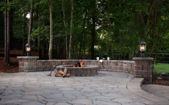 fire-pits-page-pics-belgard2011_admsnc_megaarbel_countrymanor_002a