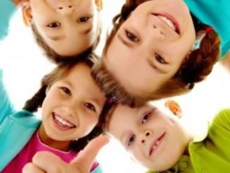 92539537-white-children