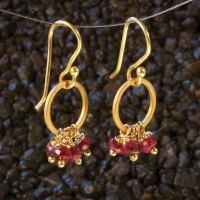 Earrings Gold rings with rubies