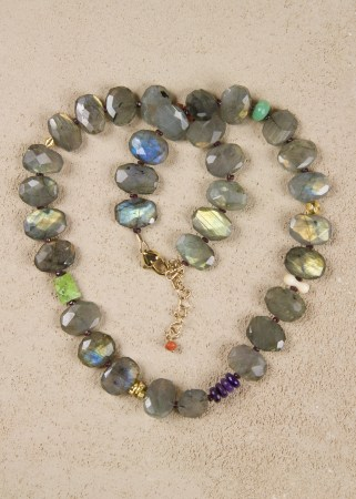 Labradorite Oval Necklace in Gold