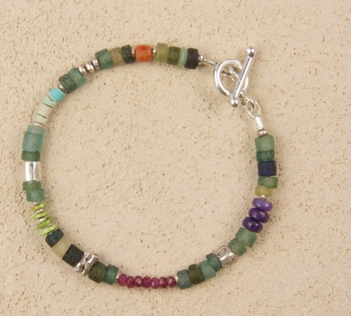 Roman Glass Holiday Bracelet in Silver