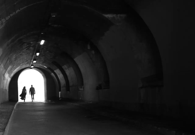 tunnel-332474_1280