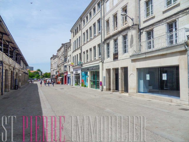 location local commercial rue brisson niort emplacement numero 1