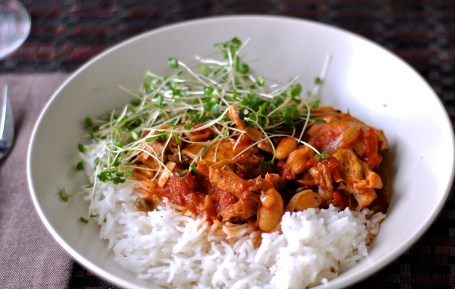 Chicken Cacciatore served over rice. Pantry cooking at its best!